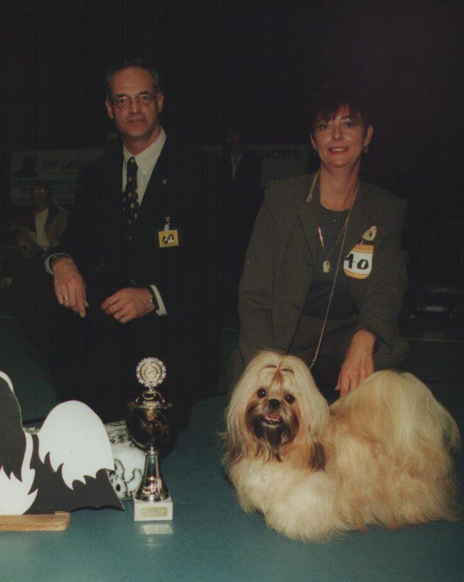 BOB/CLUBWINNAAR 2000:Lucky Lions Bitter Sweet, Ellen Nyogog